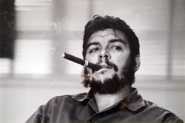 Che Guevara smoking the Montecristo cigar