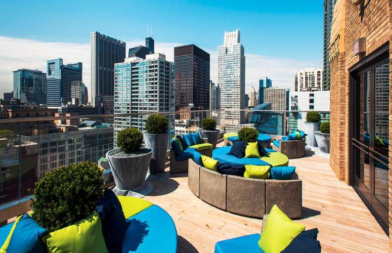Hotels near millennium park chicago top selection 2017 for Trendiest hotels in chicago