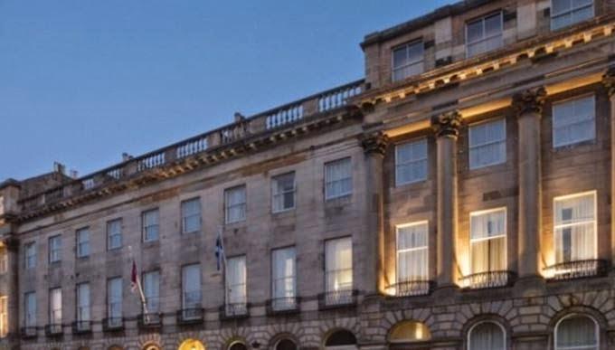4-star Hotel Crowne Plaza in Edinburgh