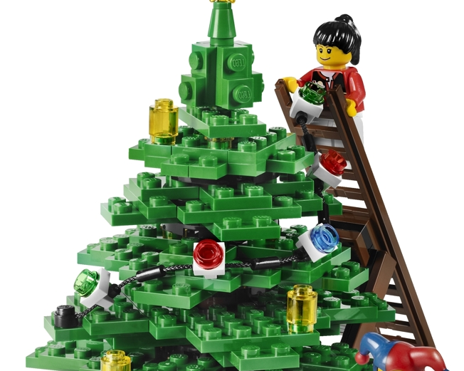 christmas tree in piazza castello milan