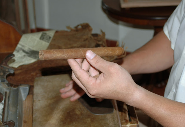 handmade cigar production