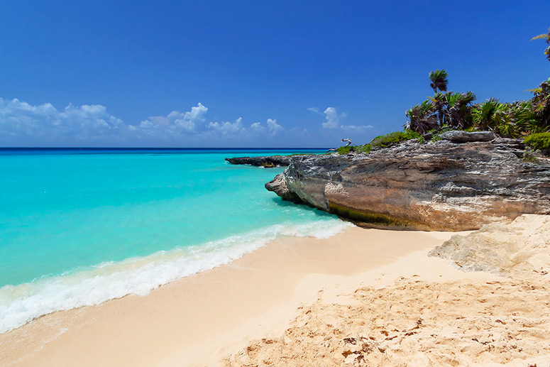 Relax in the Caribbean beaches of Playa del Carmen, one of the main reasons for choosing this place.