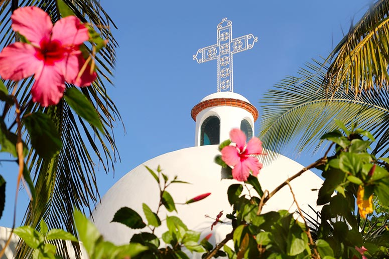 Visit the Nuestra Senora del Carmen Church.